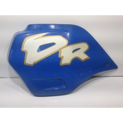 Left side fuel tank cover of the Suzuki DR650R