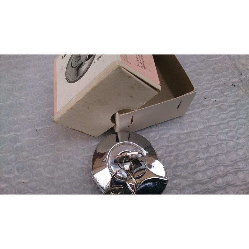 Locking petrol cap
