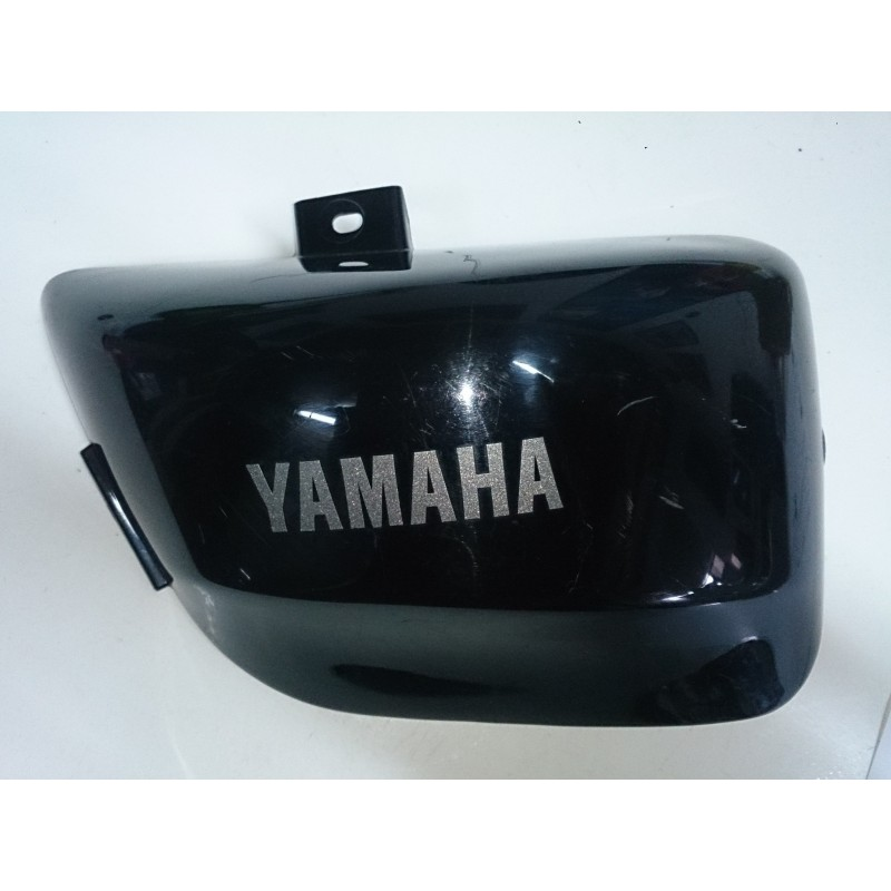 Tapa lateral derecha bajo asiento Yamaha Virago XV 535