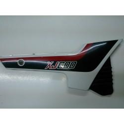 Tapa lateral dreta sota seient Yamaha XJ600