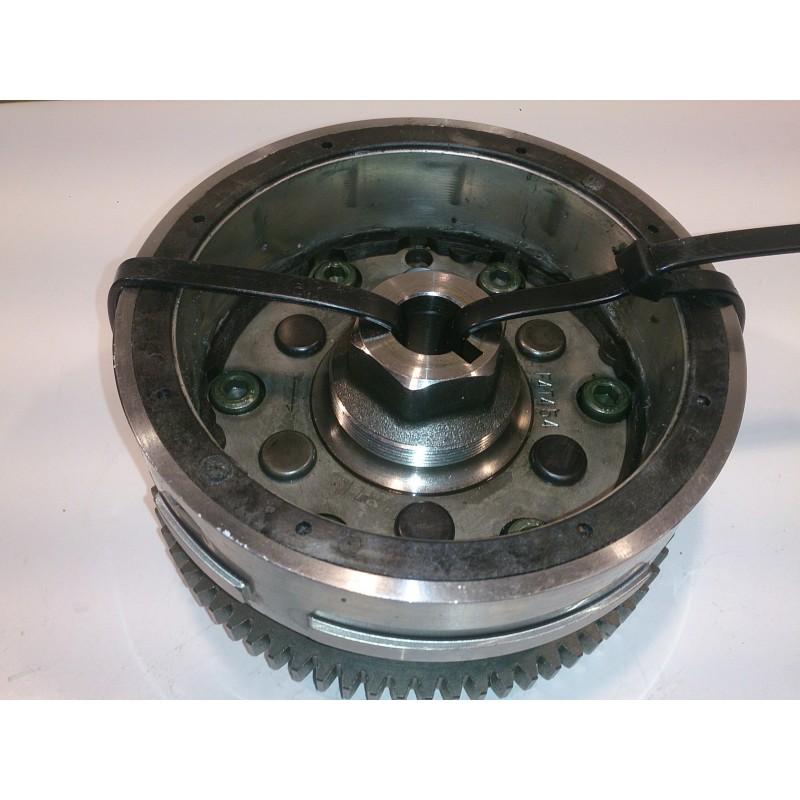 Magnetic flywheel and starter clutch Suzuki DR650 / XF650 Freewind