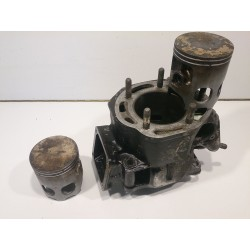 Left cylinder and pistons Yamaha RD350